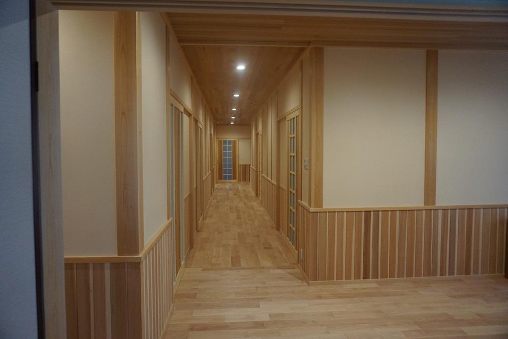 高橋邸 廊下2.JPG