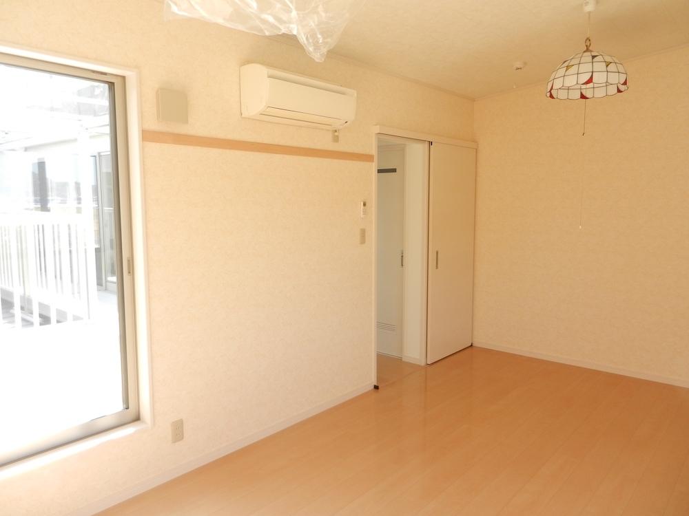 二階 洋室2.JPG